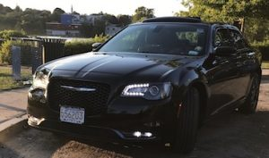 black-chrysler-300 thumbnail.JPG