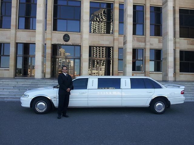 limousine-601462_640